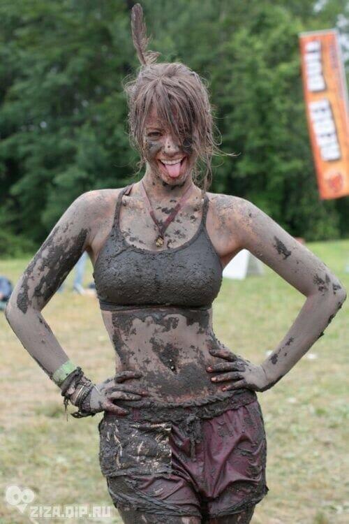 Mud run competitor